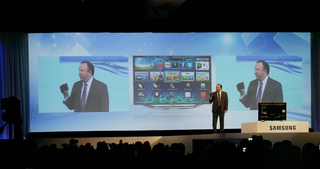 Samsung Invites People to Discover the World of Possibilities at CES 2013