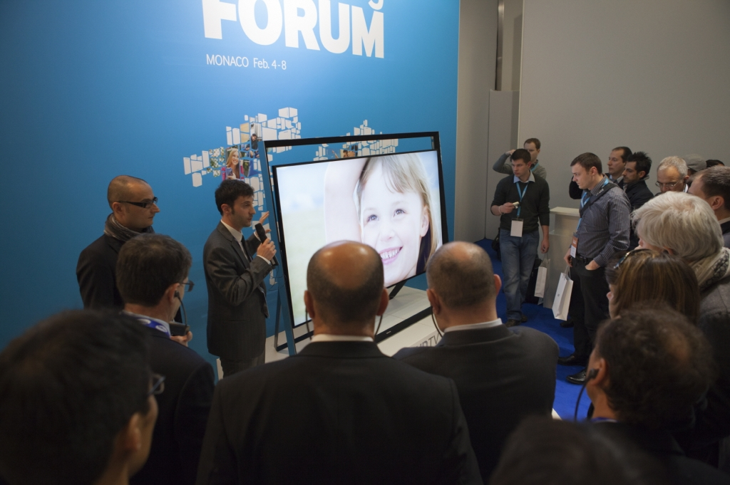 Samsung Invites People to Discover the World of Possibilities at its European Forum 2013