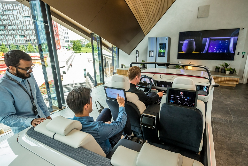 Samsung KX in London: A New Kind of Experience Space