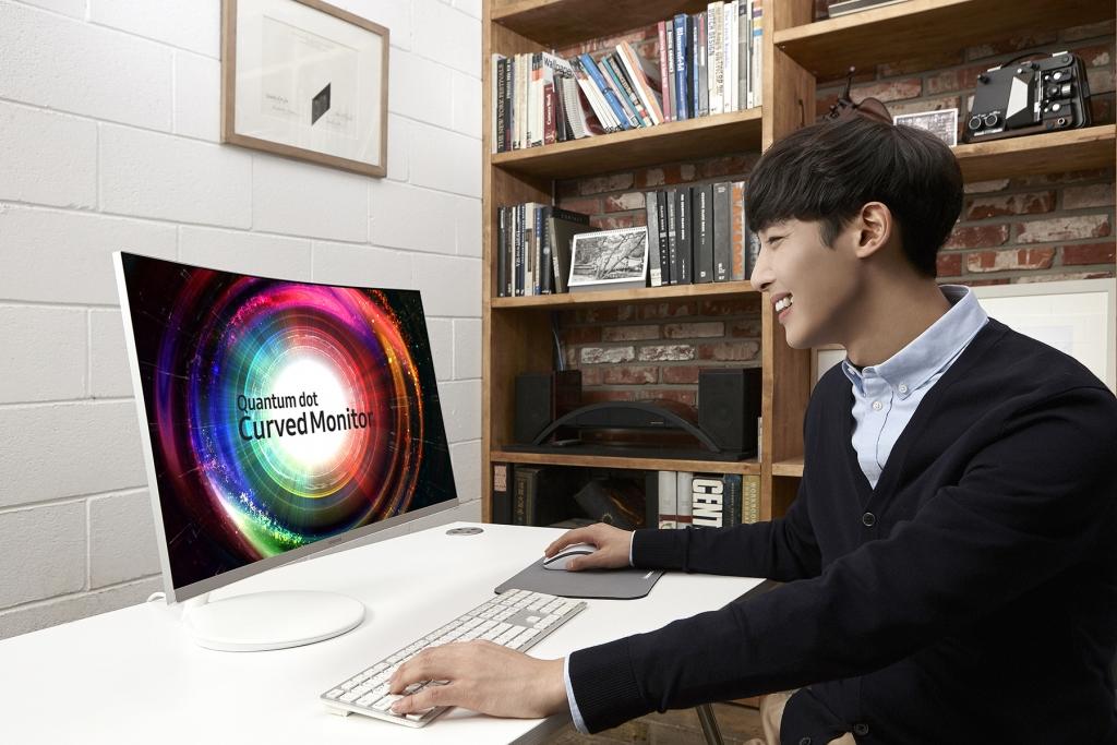 삼성전자, 'CES 2017'에서 퀀텀닷 모니터 공개하며 프리미엄 모니터 라인업 확대