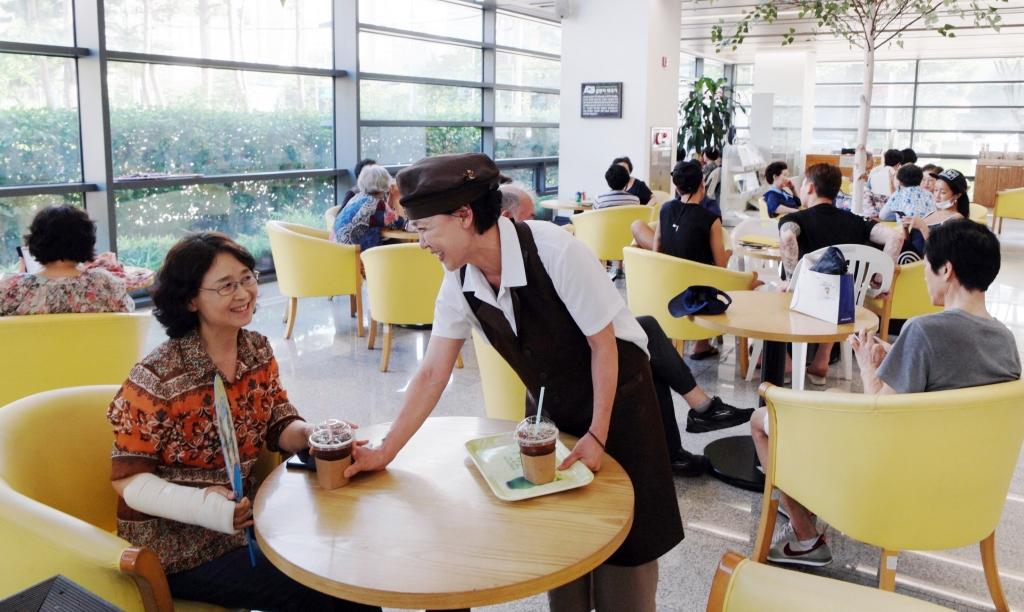 삼성전자, 카페(CAFE 休) 통해 지역사회 일자리 만든다
