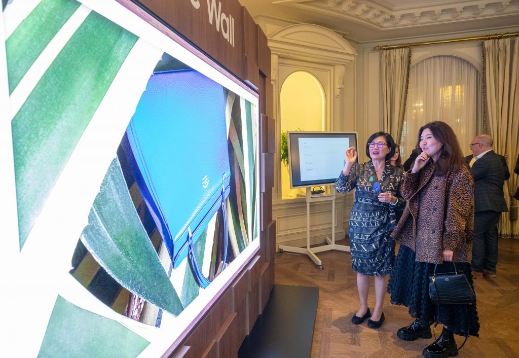삼성전자, 파리 패션위크서 '더 월 럭셔리' 쇼케이스 열어