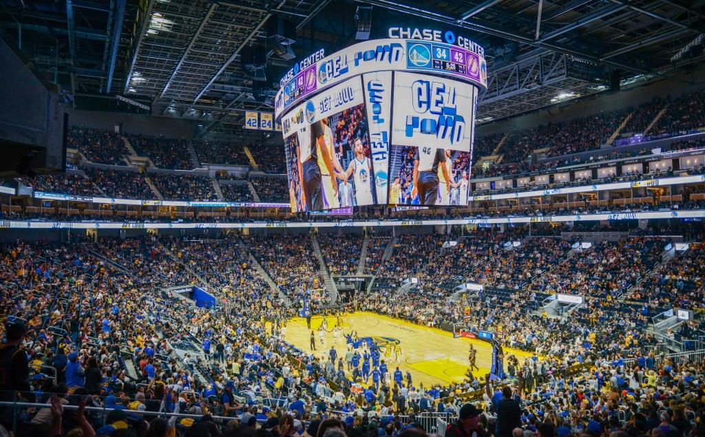 삼성 초대형 LED 스크린, 세계 최고 인기 농구팀 '골든 스테이트 워리워스' 경기장 빛낸다