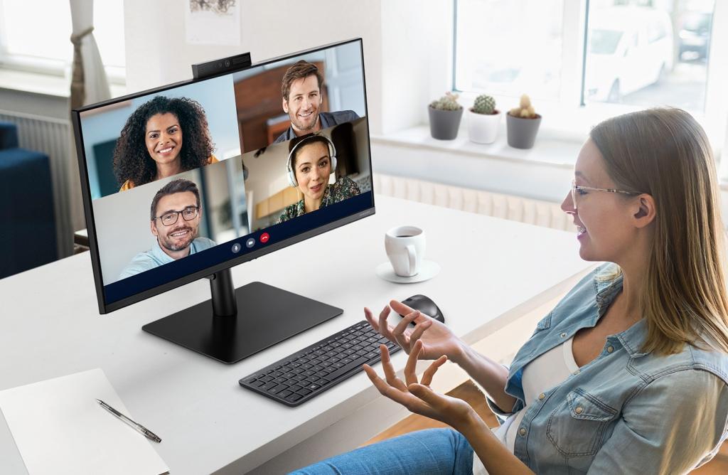 삼성전자, 화상 회의에 최적화된 '웹캠 모니터' 출시